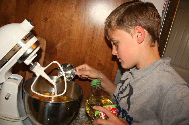 Cooking is a great way to teach kids a wide variety of skills. Not only do they enjoy it but it can be a big help for mom when she doesn't have time to spare in the kitchen that day.